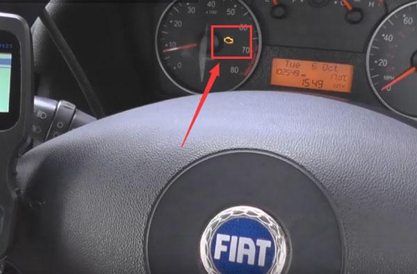 autophix-om123-car-code-reader-reset-check-engine-light-01