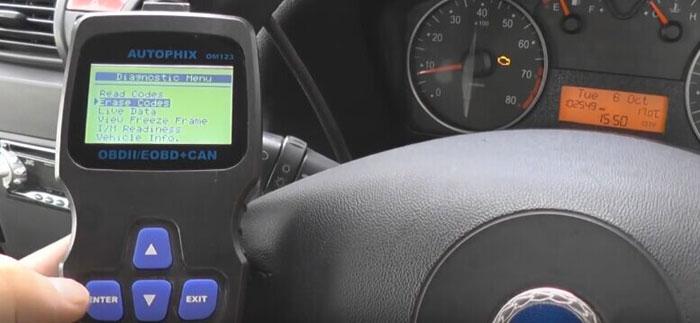 autophix-om123-car-code-reader-reset-check-engine-light-07