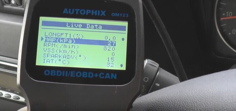 autophix-om123-car-code-reader-reset-check-engine-light-12