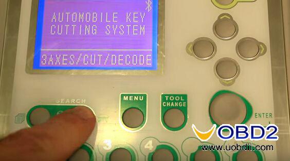 v8-x6-key-cutting-machine-cut-mercedes-hu64-6