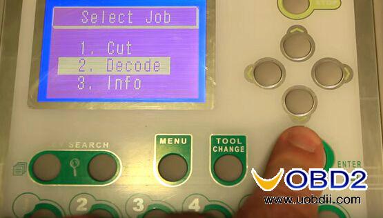 v8-x6-key-cutting-machine-cut-mercedes-hu64-9
