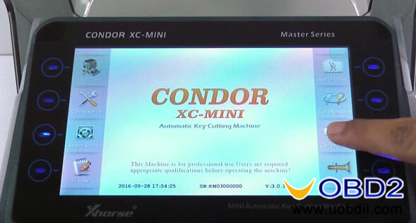 condor-xc-mini-key-cutting-machine-cut-honda-hon66-key-1