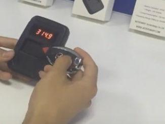WOYO-Remote-Control-Tester-7