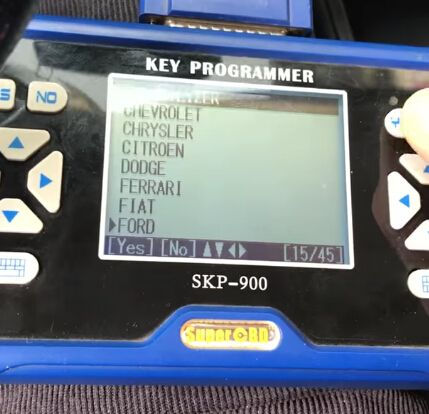 skp900-program-ford-focus-4d63-chip-remote-2