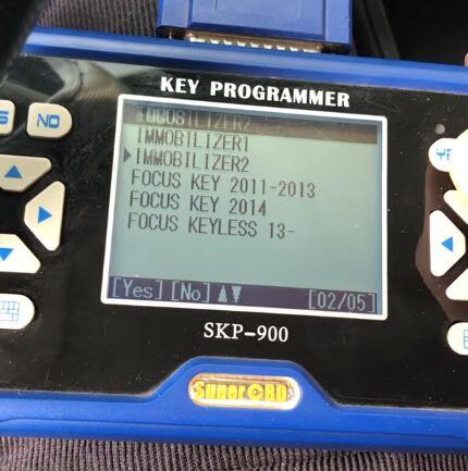 skp900-program-ford-focus-4d63-chip-remote-4