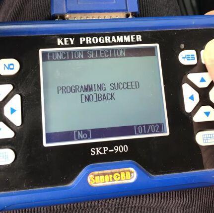 skp900-program-ford-focus-4d63-chip-remote-9