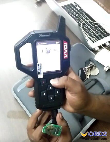 vvdi-key-tool-clone-copy-huyndai-i10-remote-key-guide-4