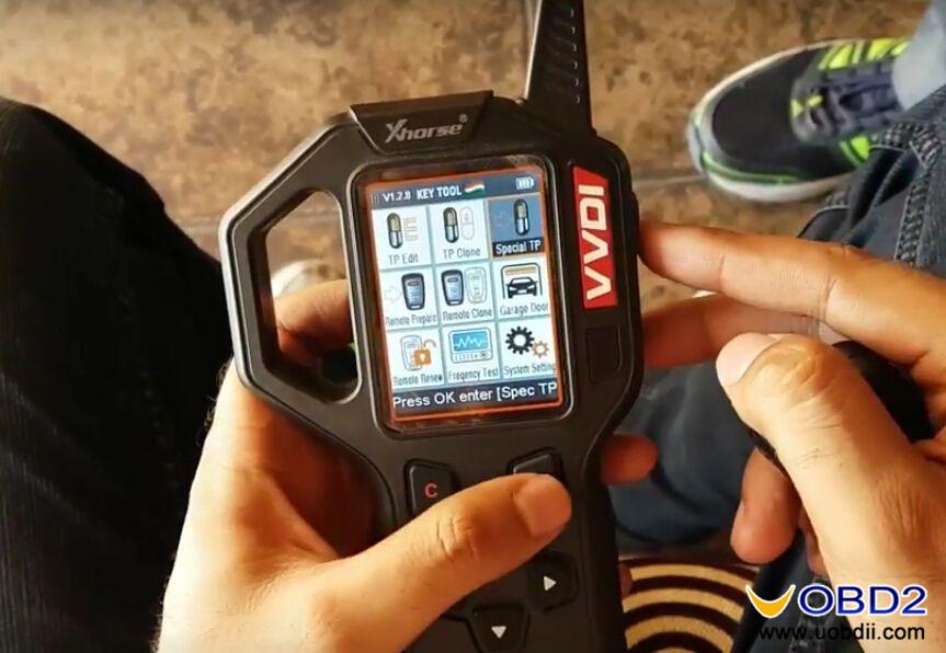 vvdi-key-tool-generate-suzuki-ciaz-flip-key-id47-special-chip-1
