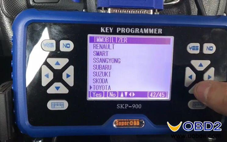 skp900-program-new-toyota-corolla-h-chip-remote-key-2