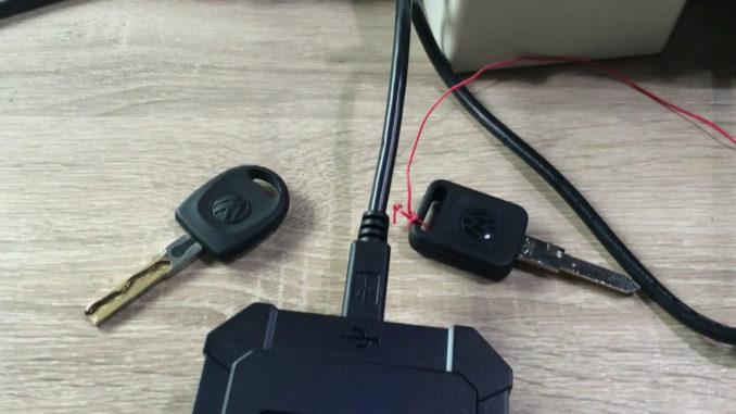 obdstar-rfid-adapter-to-program-key-on-4th-vw-19