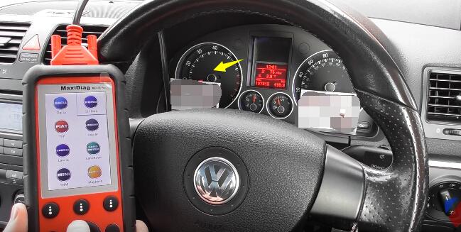Autel MD808 Pro Diagnose & Reset VW Golf Check Engine Light (15)