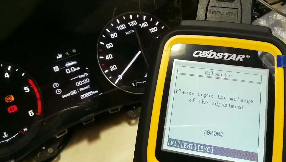 obdstar-x300m-to-adjust-hyundai-mistra-kilometer-13