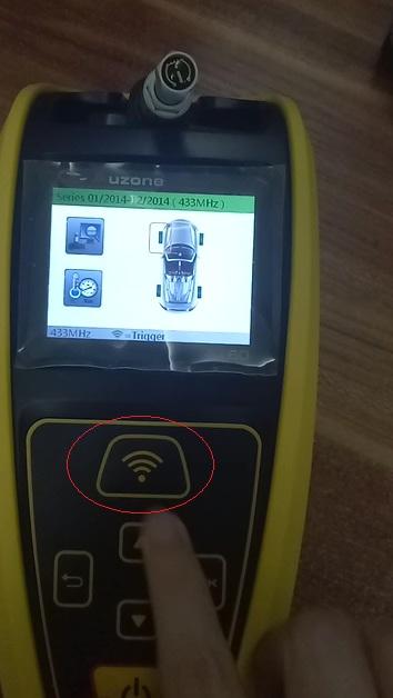 auzone-at60-program-diagnose-bmw-433mhz-sensor-15