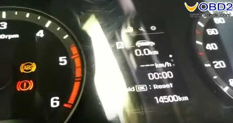 OBDSTAR X300M Test on Hyundai I20 Elite 2017 Odometer Correction (14)