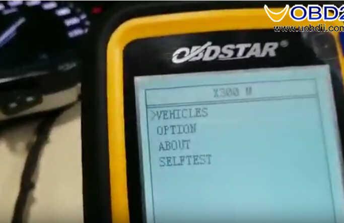 OBDSTAR X300M Test on Hyundai I20 Elite 2017 Odometer Correction (2)