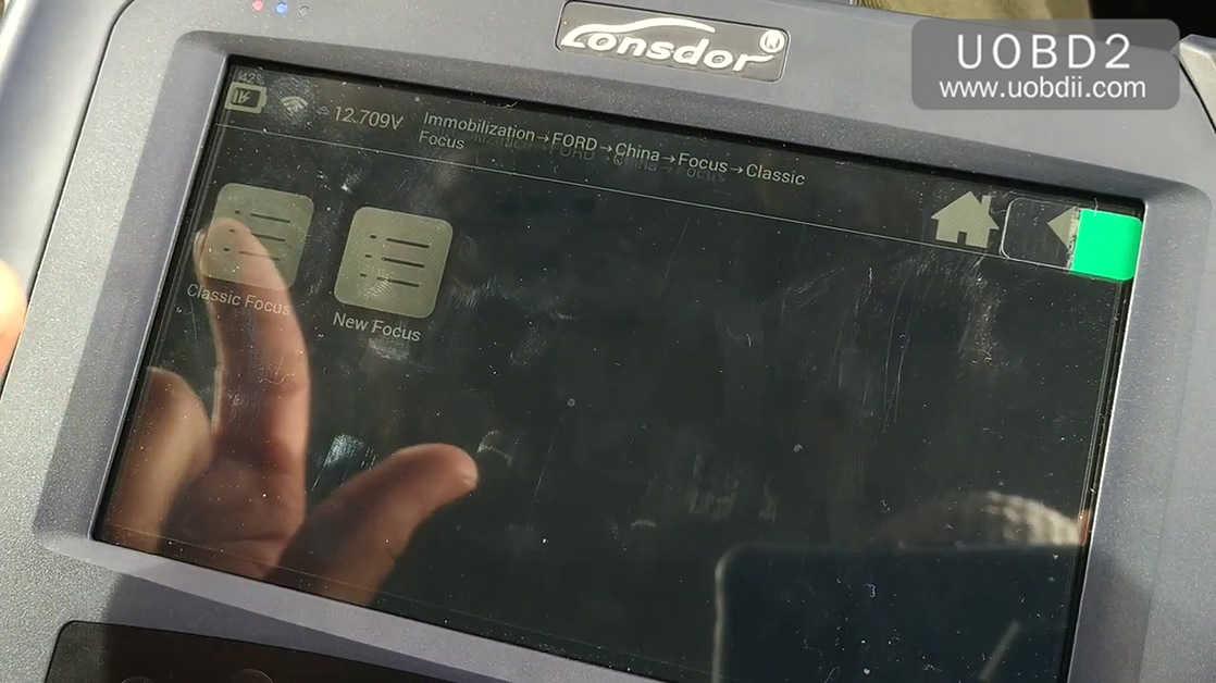 lonsdor-k518ise-key-programming-on-a-ford-focus-15