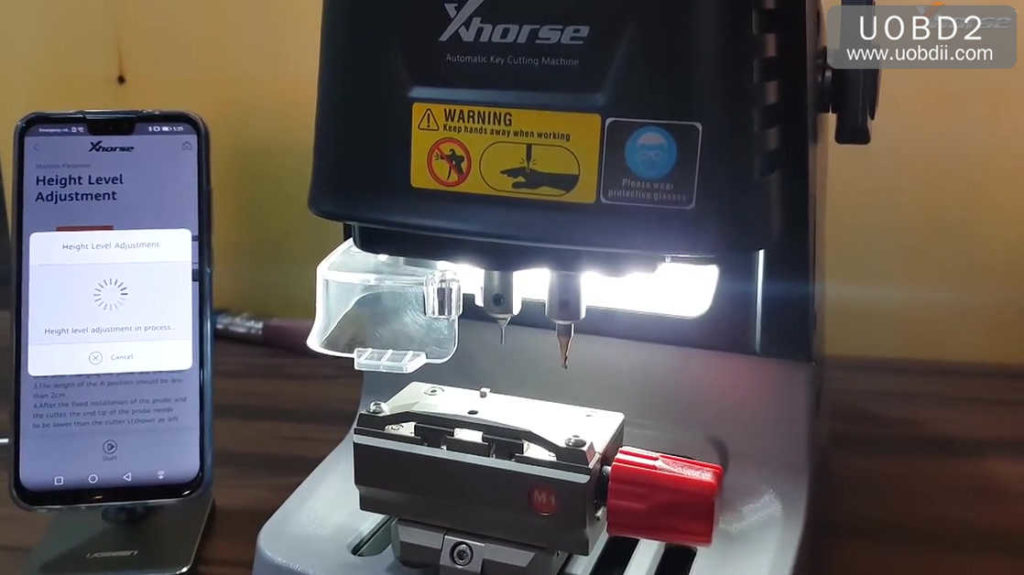 xhorse-dolphin-key-cutting-machine-calibration-tutorial-09