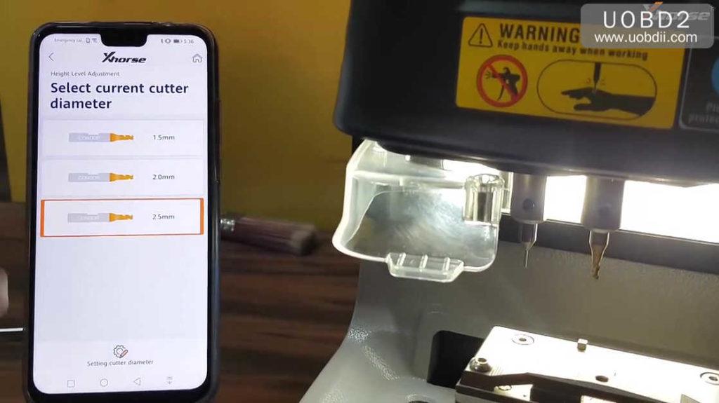 xhorse-dolphin-key-cutting-machine-calibration-tutorial-12