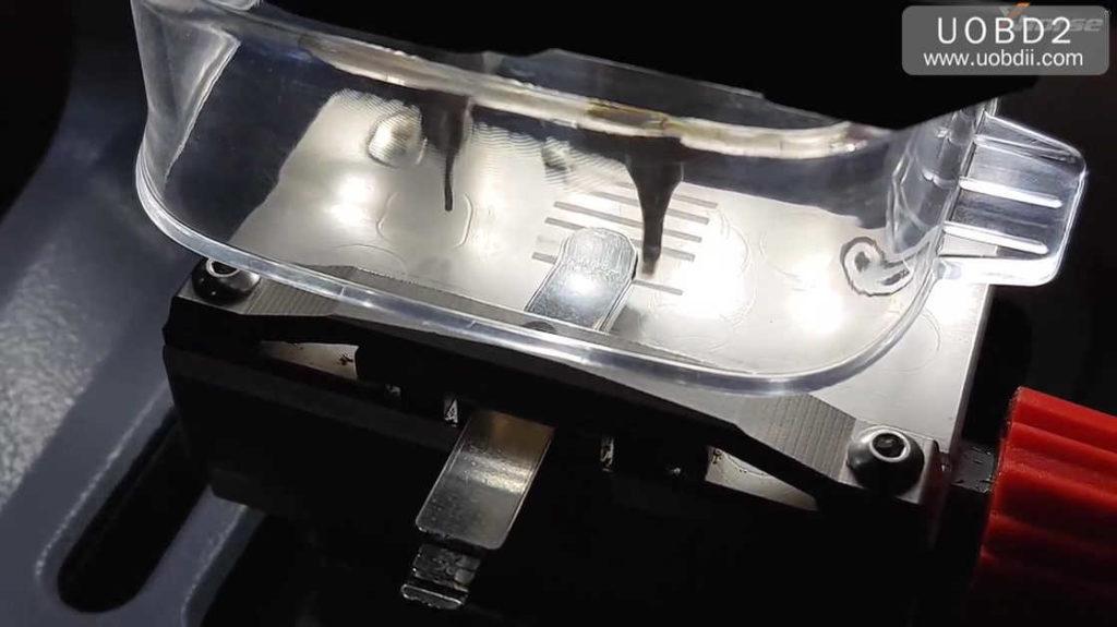 xhorse-dolphin-key-cutting-machine-calibration-tutorial-19
