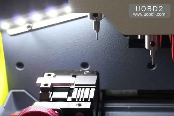 tubular-key-cutting-sec-e9-key-machine-1