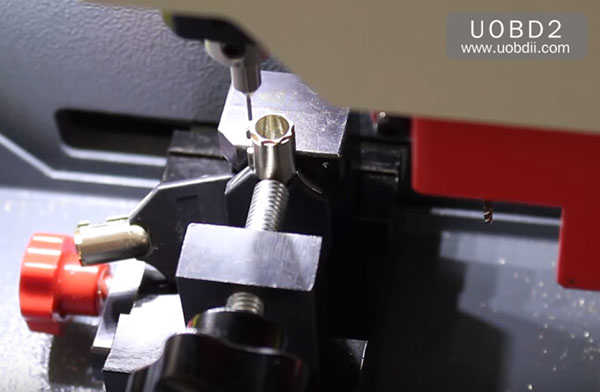 tubular-key-cutting-sec-e9-key-machine-28