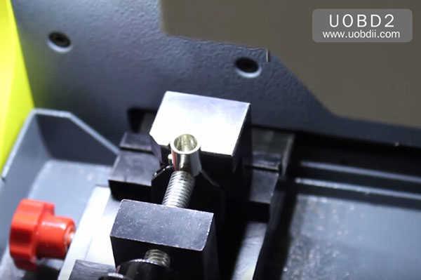 tubular-key-cutting-sec-e9-key-machine-31