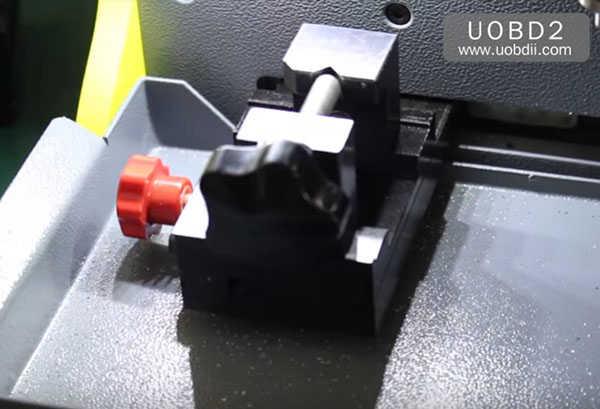 tubular-key-cutting-sec-e9-key-machine-8