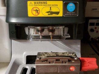 Condor-Dolphin-key-cutting-machine