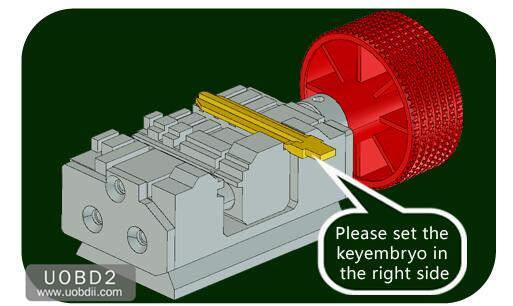 How to Use 2M2 Tank Key Cutting Machine (11)