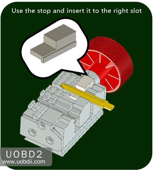 How to Use 2M2 Tank Key Cutting Machine (13)