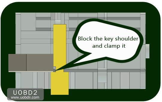 How to Use 2M2 Tank Key Cutting Machine (25)