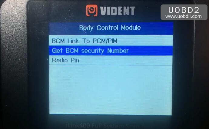 Vident iLink400 Review on Holden Commodore VZ 2005 (17)