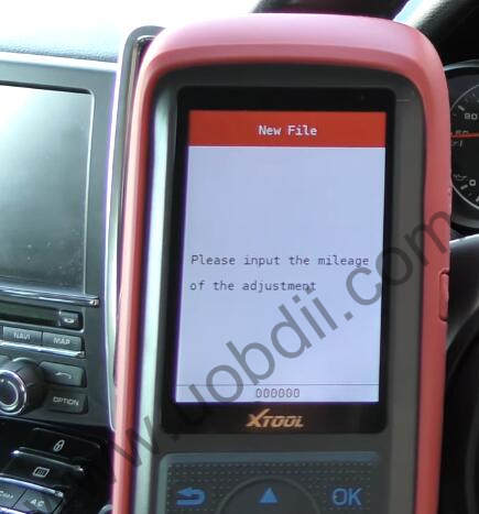 XTOOL-X100-Pro2-Adjust-Mileage-for-Porsche-Cayenne-8