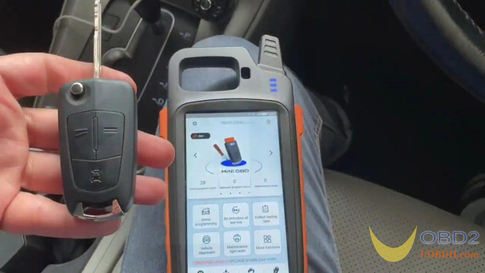 vvdi-key-tool-max-program-chevrolet-captiva-2011-chip-remote-02